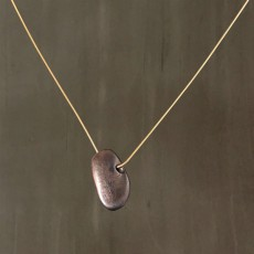 PEBBLE PENDANT NECKLACE