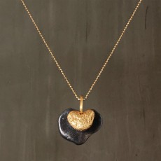 HEART BEACH PEBBLES PENDANT NECKLACE