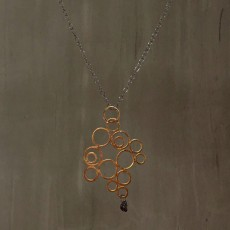 SYNTHESIS OF CIRCLES NECKLACE